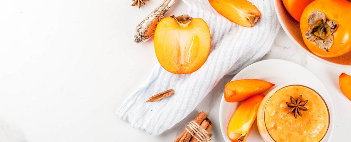 Mousse di cachi e yogurt greco, una delicata dolcezza d'ottobre
