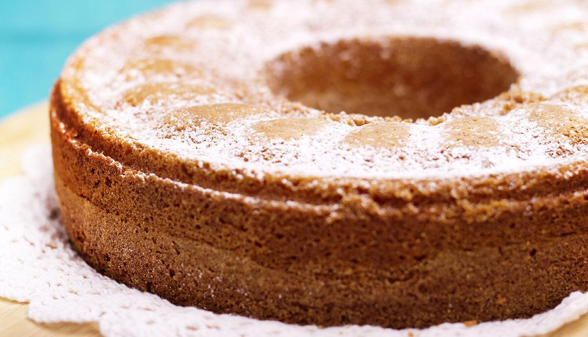 Torta dei sette vasetti, una deliziosa ricetta a base di yogurt greco