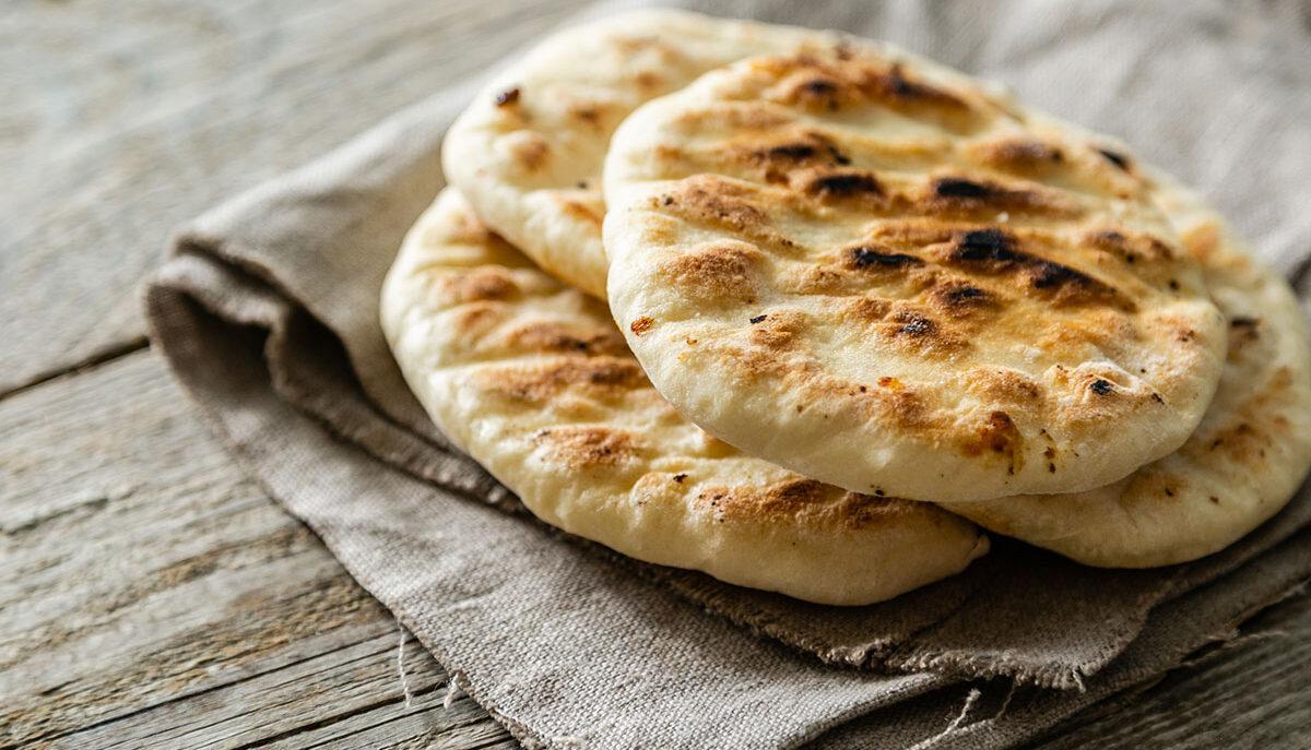"""Come preparare la pita greca, il famoso """"pane"""" greco"""