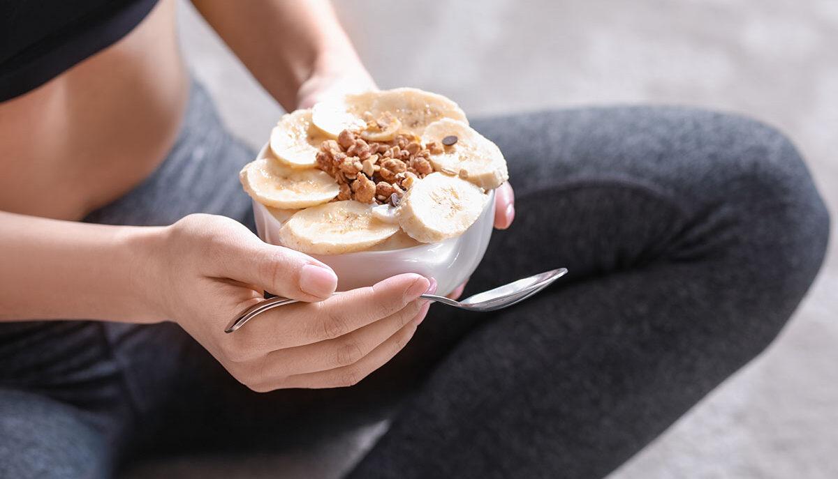 Come usare lo yogurt greco nel pre e post workout