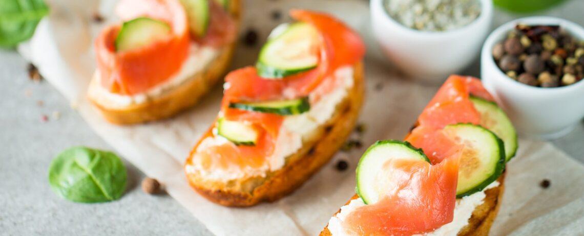 Hai mai provato l'abbinamento feta e salmone?