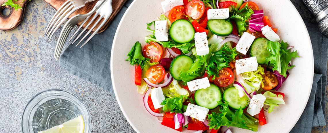 Insalata con feta: tante idee oltre la classica insalata greca