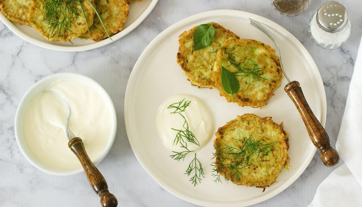 L'idea perfetta per il tuo aperitivo: frittelle di bietole e feta