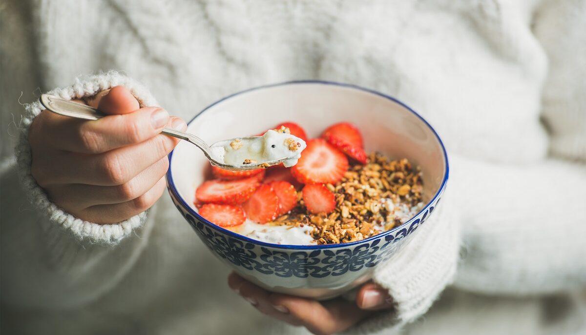 Lo yogurt greco è un perfetto alleato per il tuo intestino