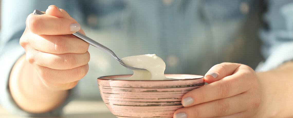 Mangiare solo yogurt per una settimana: si può?